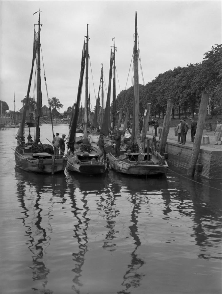 Theodor Möller, 1931, Rückkehr der Krabbenkutter, Hafen Tönning